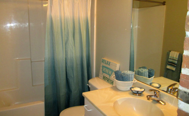 The_Landings_Bathroom_2